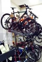 Витрина для 10 велосипедов (держатель верхний для 1 велосипеда)направляющая +2 фиксатора