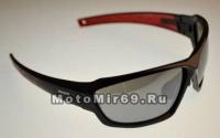Очки солнцезащитные STARK HS-1369K с логотипом, спорт-стиль, оправа черно-красная, регулируемый носо