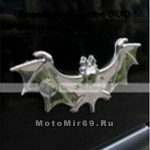 Наклейка объемная летучая мышь